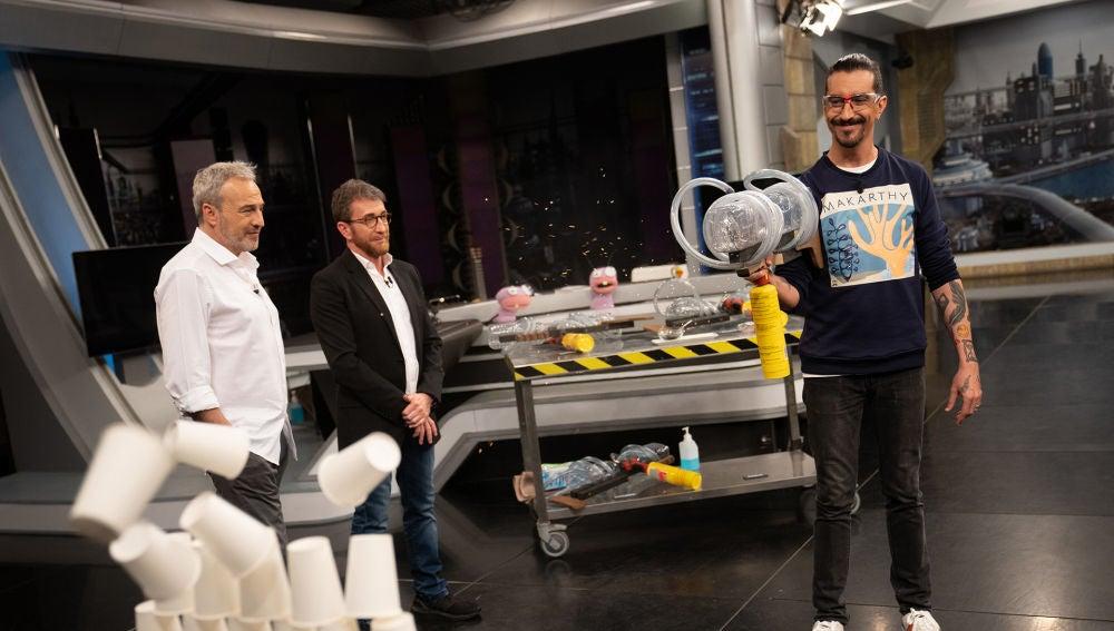"""Pablo Motos pide otra oportunidad tras el """"ridículo"""" con las pistolas de fuego de Marron: """"¡No apuntes!"""""""