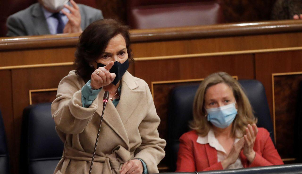 """Carmen Calvo, a Cuca Gamarra: """"¿Creen que hay algún órgano que pueda suplantar al Gobierno?"""""""