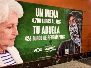 """La Fiscalía insiste la retirada del cartel de Vox de las elecciones de Madrid porque genera """"hostilidad"""""""