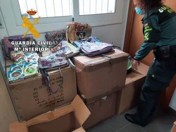 Productos incautados en la operación de la Guardia Civil en Badalona