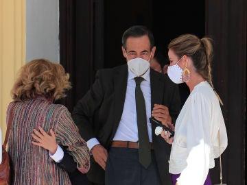 Amelia Bono junto a su padre José Bono y su madre Ana Rodríguez Mosquera