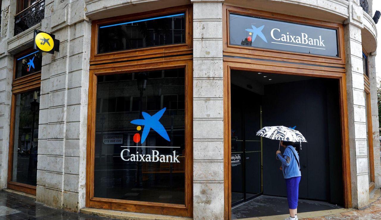 Declaradas nulas las cláusulas multidivisa en yenes o francos suizos que CaixaBank heredó de Barclays por abusivas