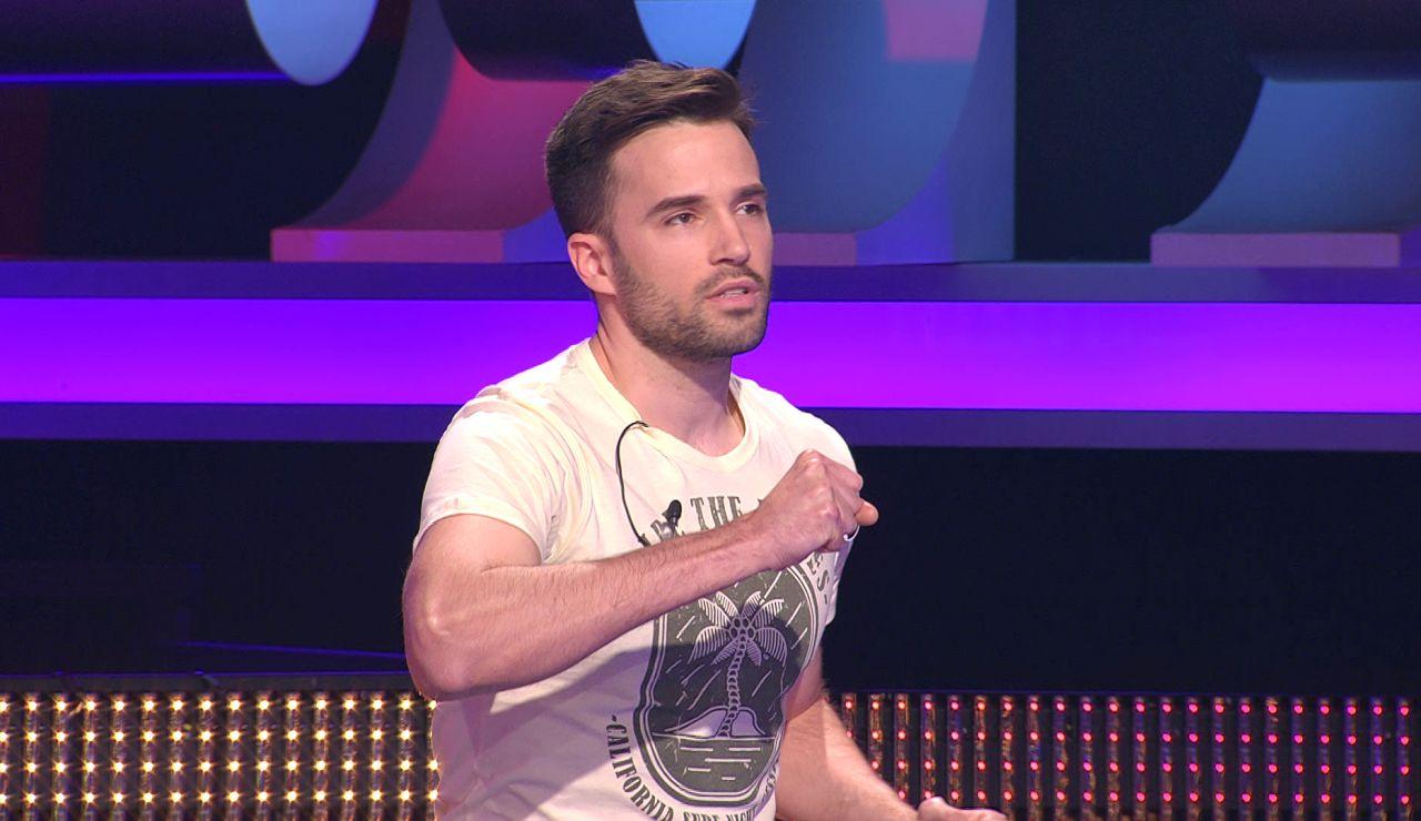 Rubén 'coge' el micrófono para cantar como David Bisbal en '¡Ahora caigo!'