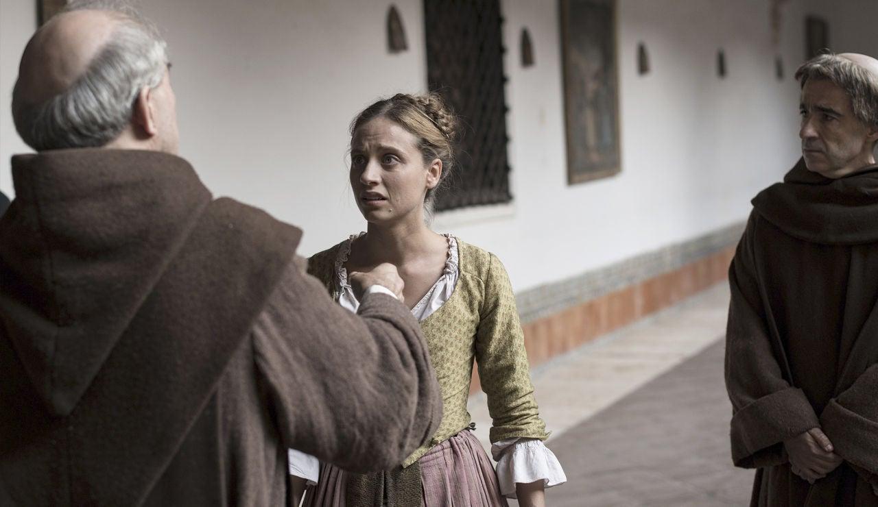 Un gran golpe de realidad para Clara: su padre está vivo y oculto en el convento