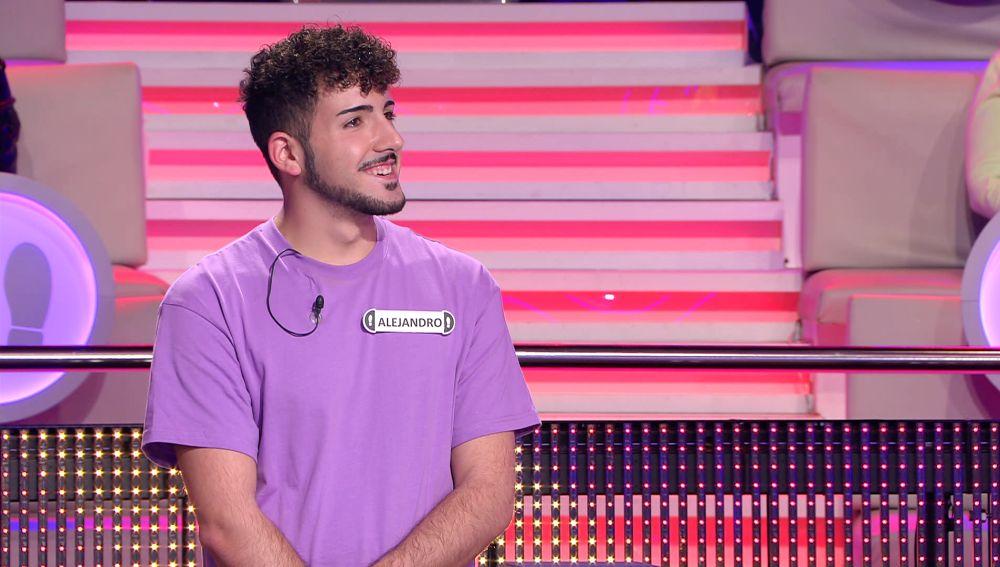 El insólito capricho de un concursante deja sin palabras a Arturo Valls en '¡Ahora caigo!'