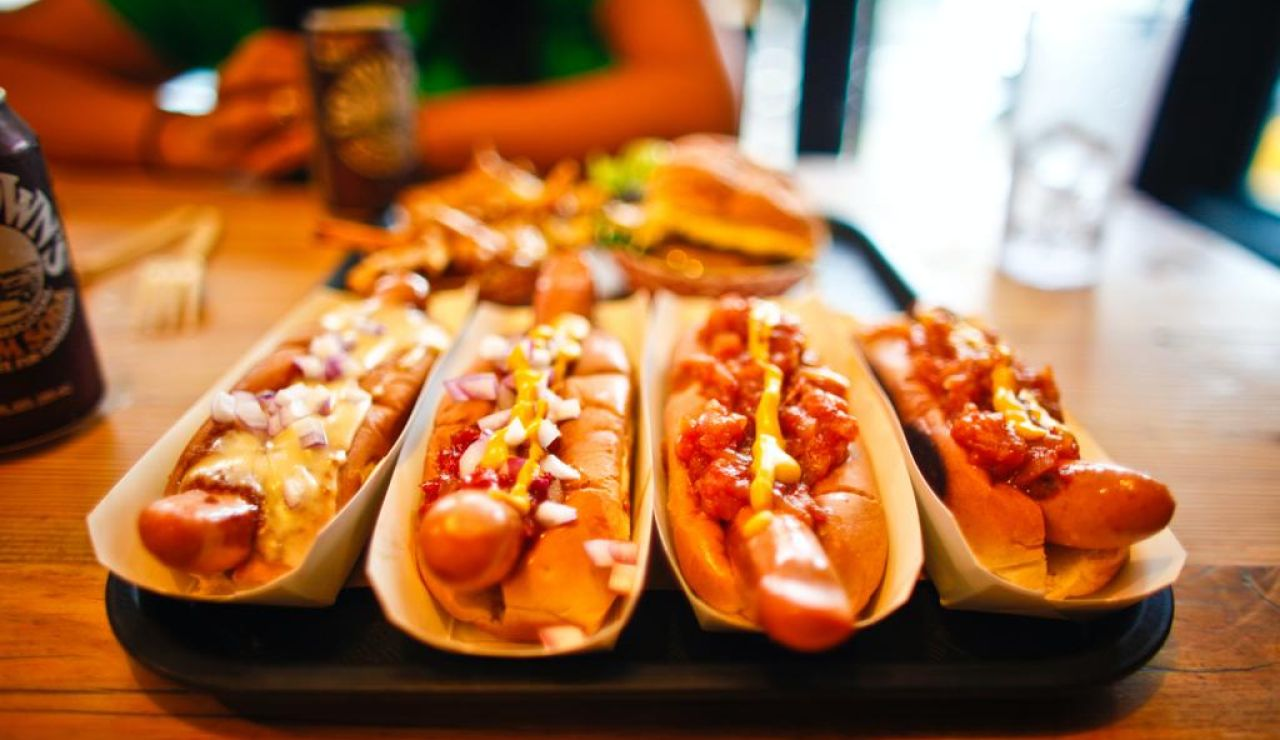 6 tipos de perritos calientes y cómo preparar un verdadero 'hot dog'