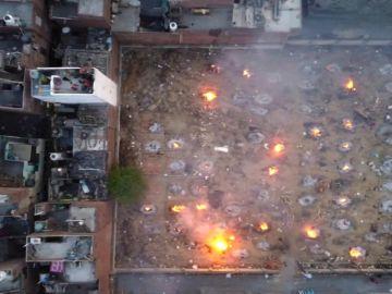 Las calles convertidas en crematorios en la India por la nueva cepa del coronavirus