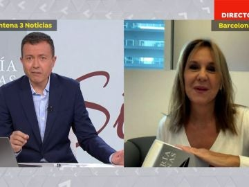 María Dueñas publica Sira.