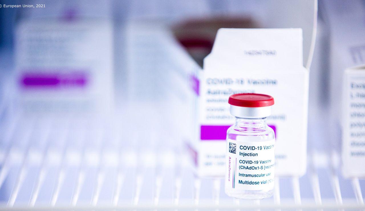 Vial de la vacuna de AstraZeneca