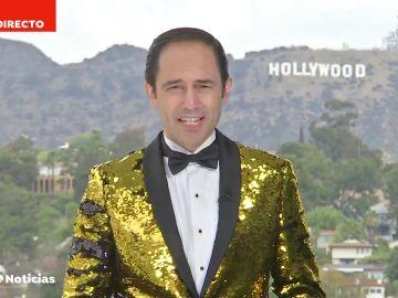 Nuestro corresponsal José Ángel Abad sigue la tradición y sorprende con su chaqueta para los Premios Óscar 2021