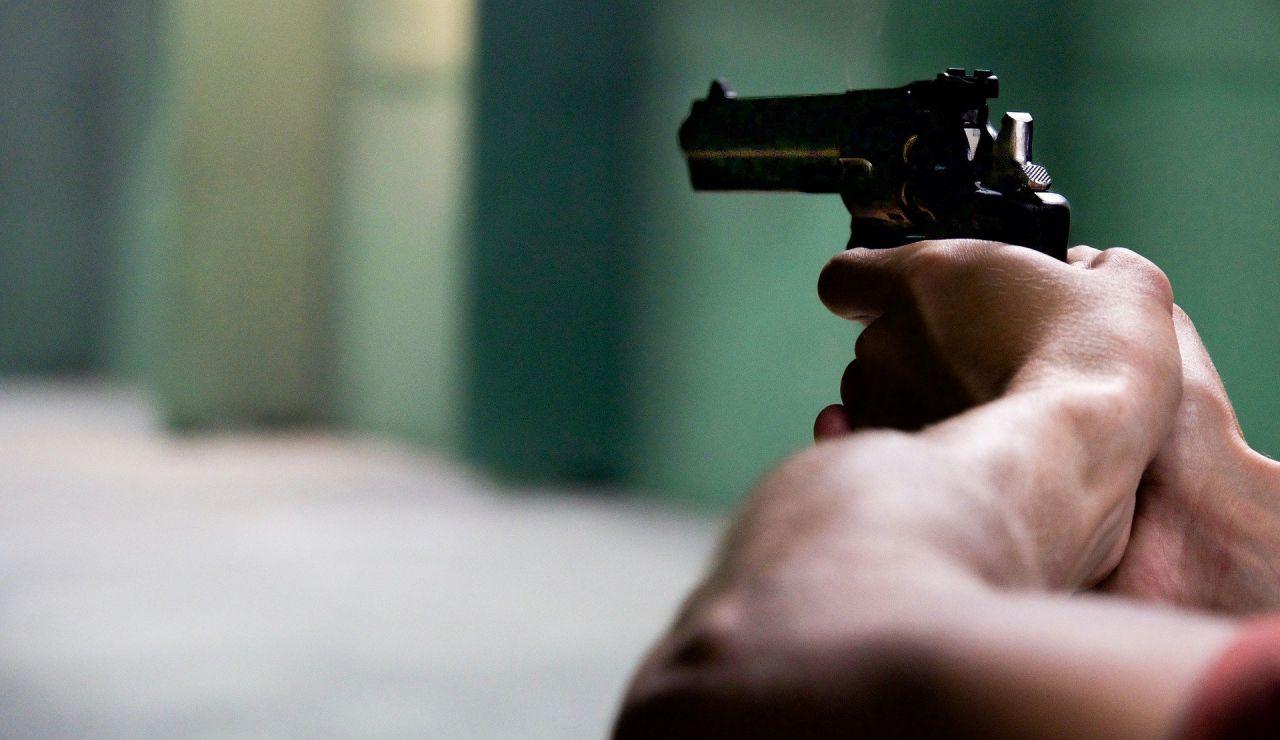 Dispara 11 veces a un joven por dar 'me gusta' a una publicación de su novia en Facebook