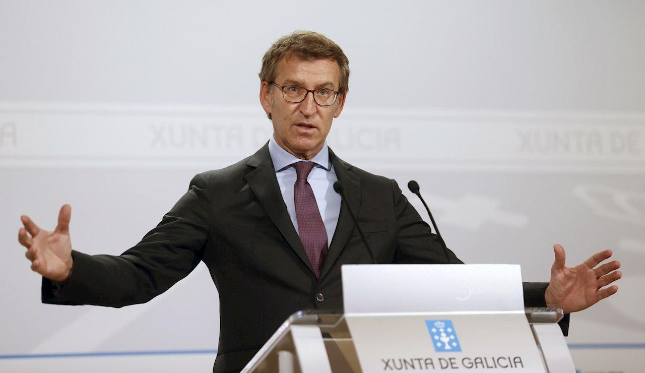 El presidente de la Xunta, Alberto Núñez Feijóo, durante la rueda de prensa que ofreció tras la reunión del consello, esta mañana en Santiago de Compostela