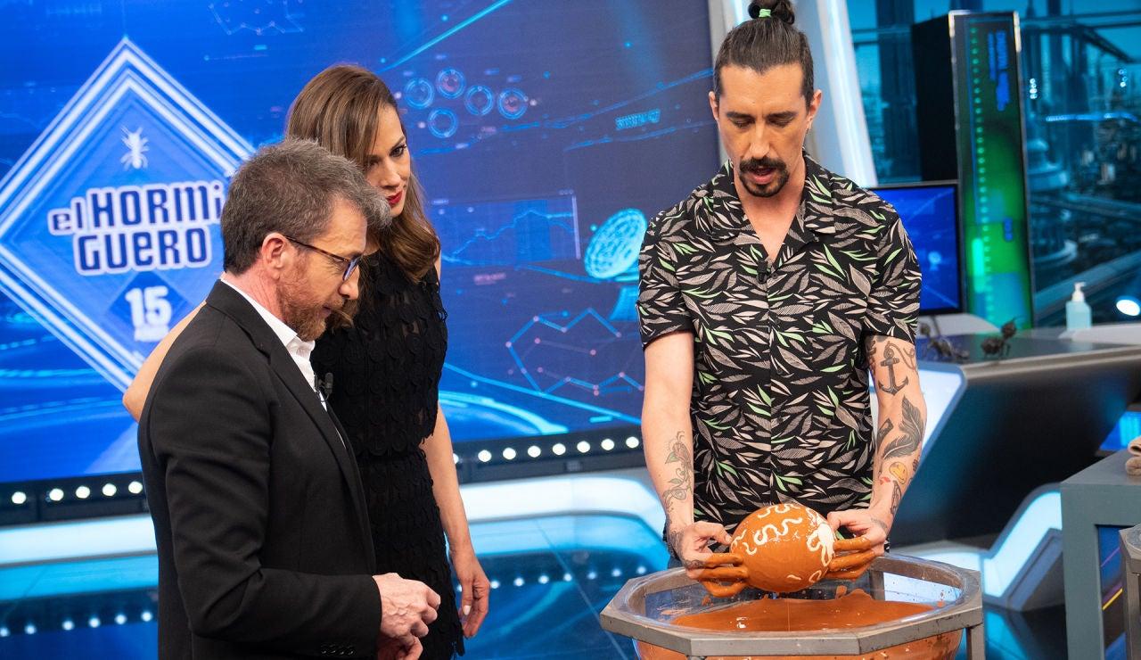 Un huevo de avestruz y barro, los protagonistas de la asombrosa ciencia de Marron