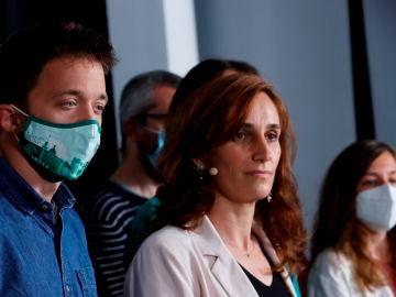 Mónica García junto a Íñigo Errejón