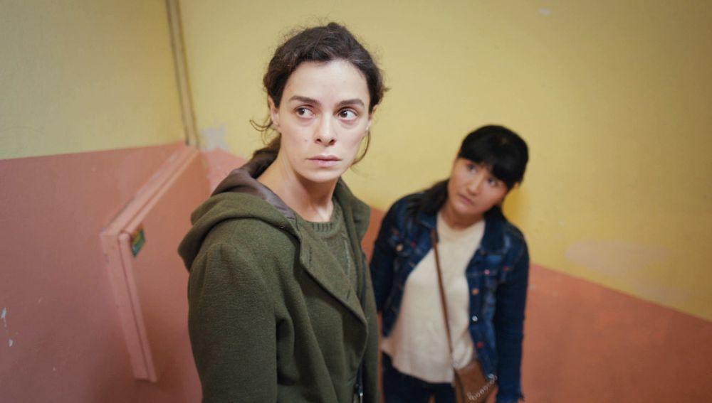 Bahar, descubierta: a punto de ser delatada a la Policía en 'Mujer'