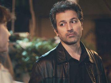 La nueva actitud de Arif hacia Sirin desconcierta a Bahar y a Ceyda en 'Mujer'