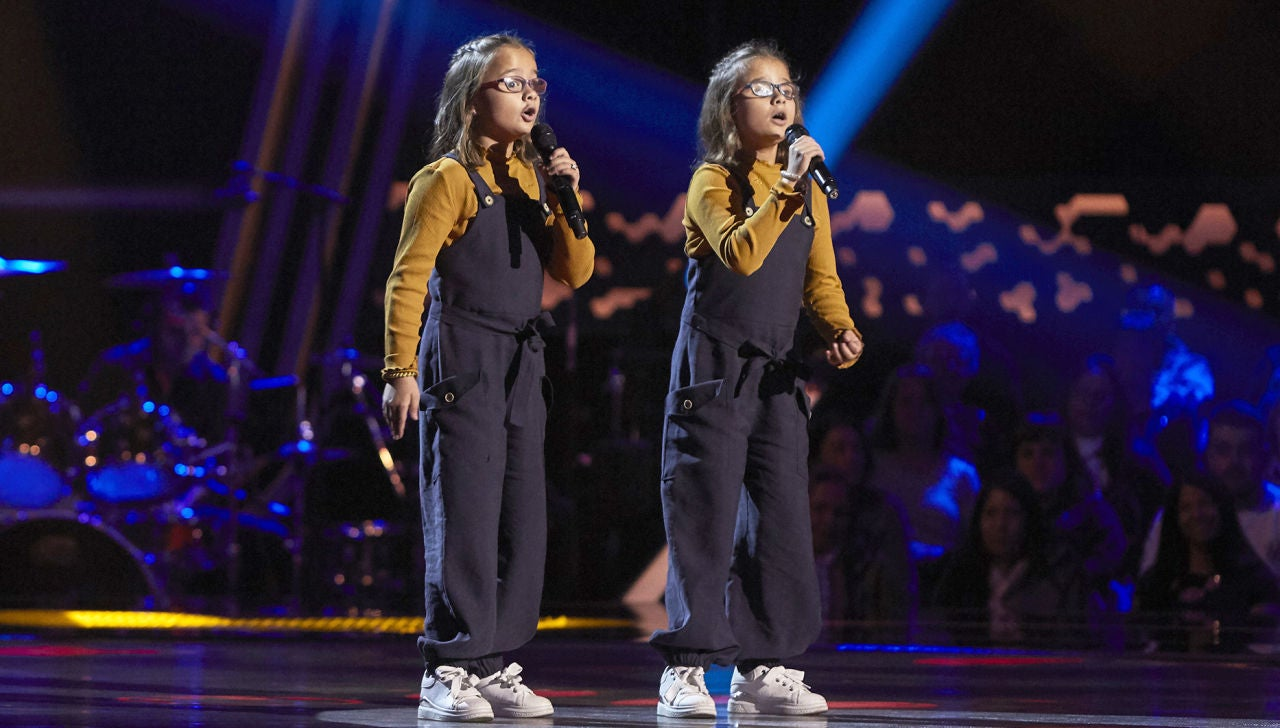 Irene y Alba Muñoz canta 'Que nadie' en las Audiciones a ciegas de 'La Voz Kids'