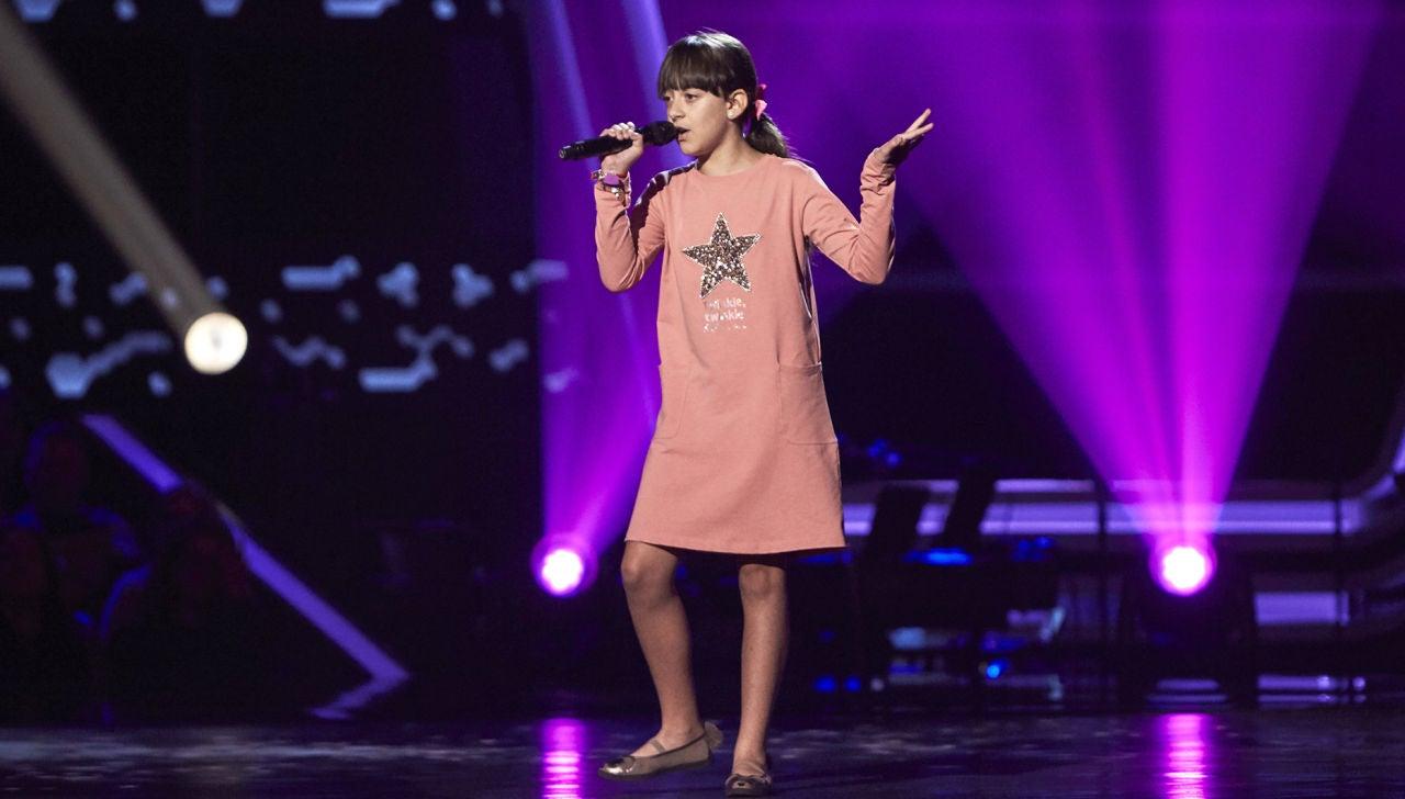 Lucía Martín canta 'Lágrimas negras' en las Audiciones a ciegas de 'La Voz Kids'