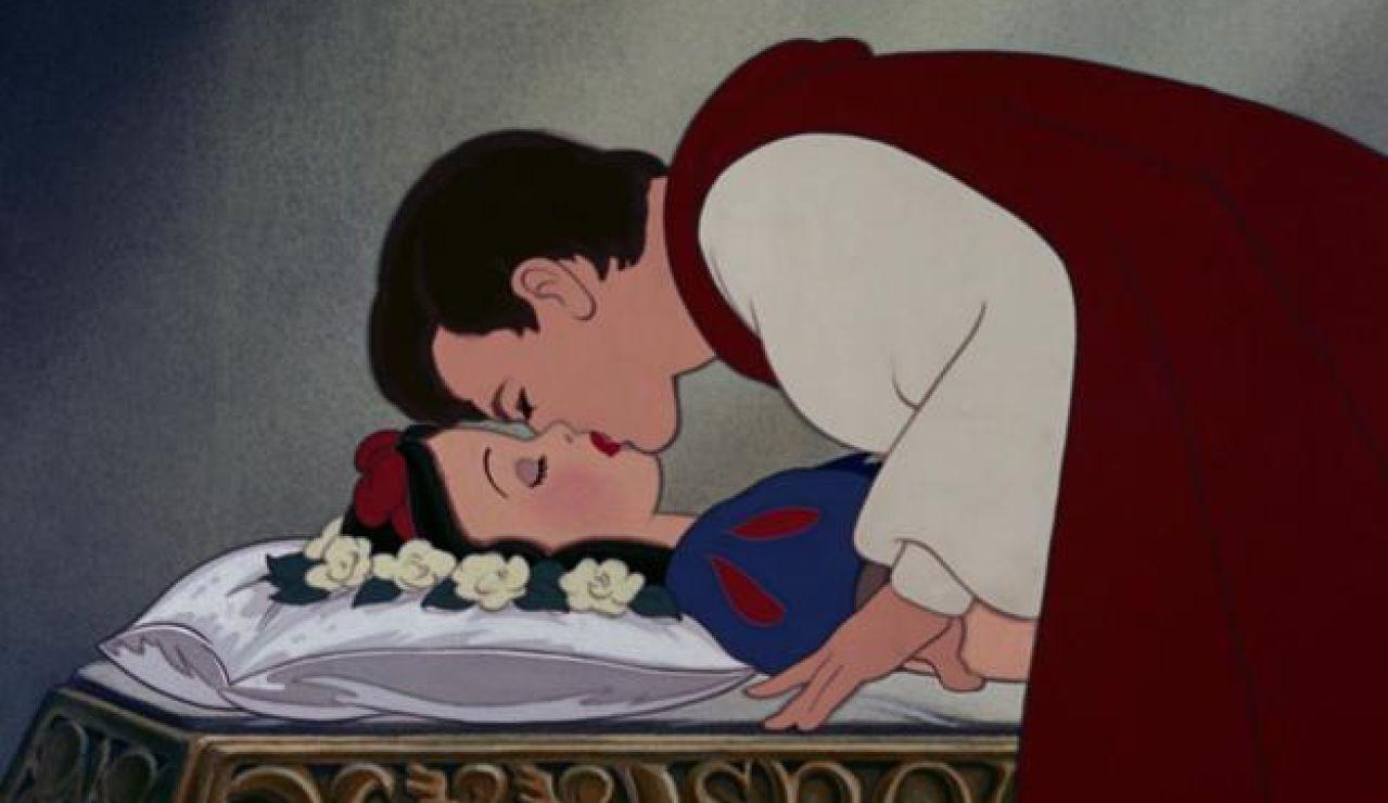 El beso de 'Blancanieves y los siete enanitos'