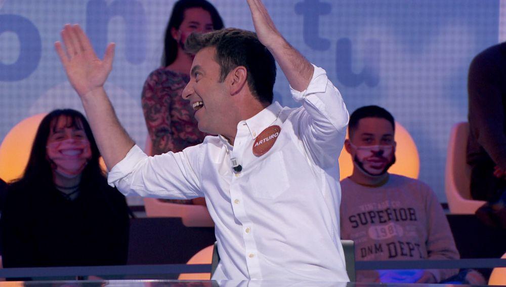 Cachondeo y buen rollo entre Arturo Valls y el público de 'Pasapalabra'