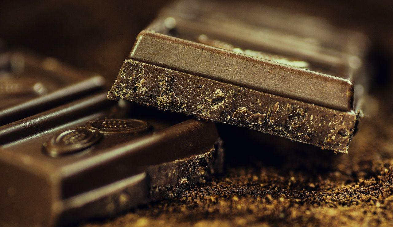 """""""¡Voy a llorar!"""": Una streamer americana prueba esta conocida chocolatina por primera vez y su reacción se hace viral"""