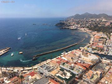 Muere el piloto de una avioneta al estrellarse contra el mar en Cartegena