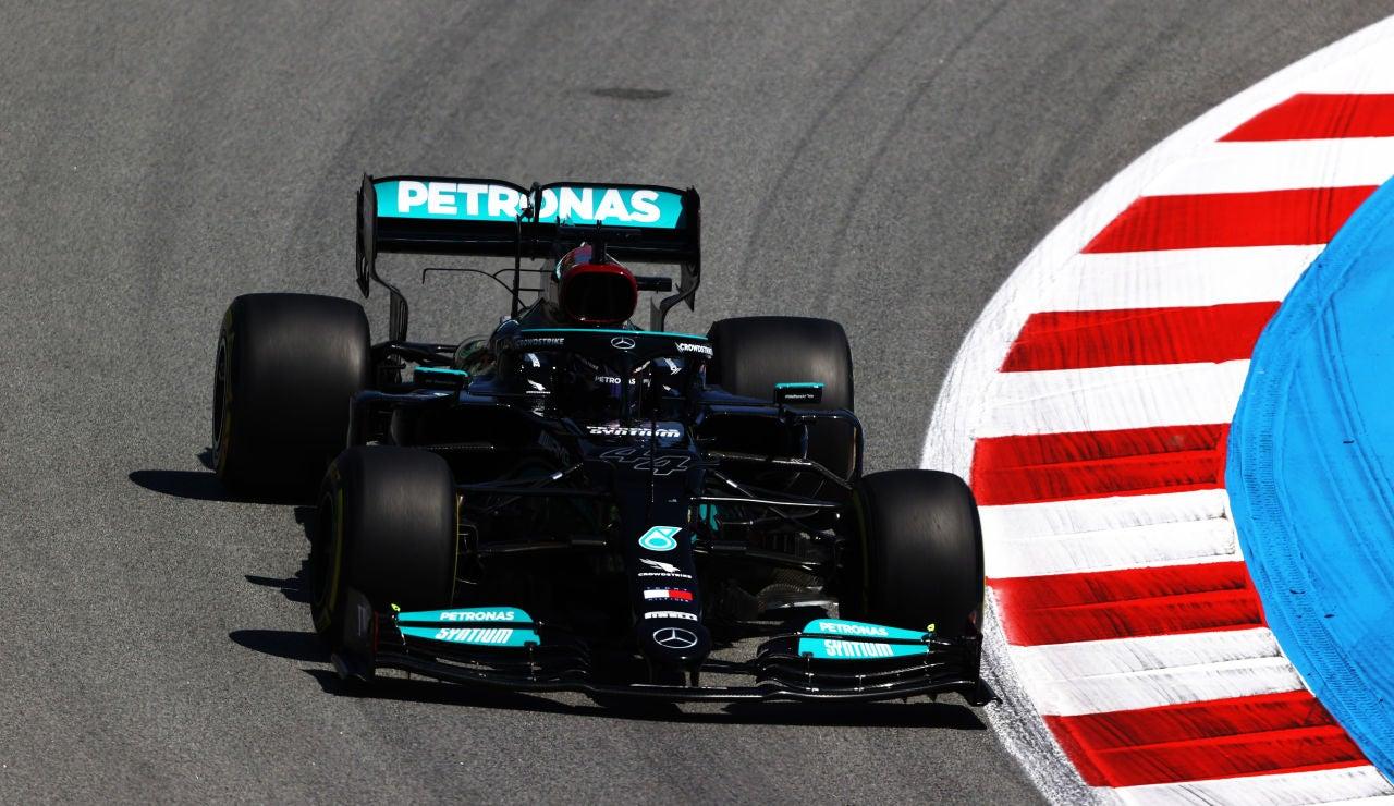 Hamilton logra su 100º pole en el Gran Premio de España, buen 6º puesto de Sainz y Alonso 10º