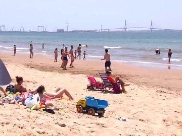 Las playas se preparan para recibir turistas con el fin del estado de alarma