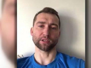 El atleta Krauchanka pone en venta sus medallas