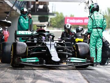 Hamilton vuelve a ganar la batalla a Verstappen en el GP de España, Sainz 7º y Alonso 17º
