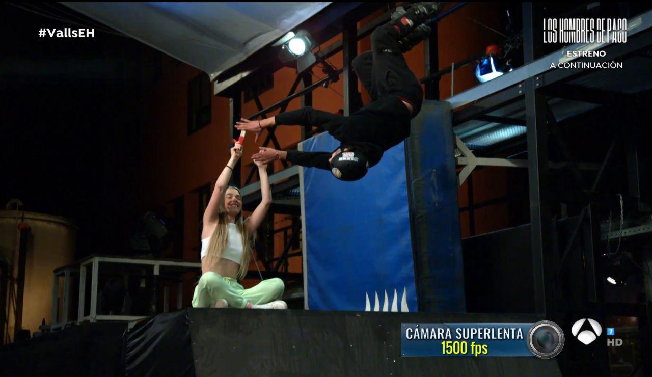 Twin Melody se la juegan con una peligrosa acrobacia en patines