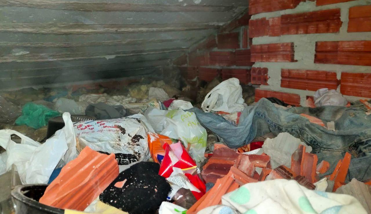 Imagen del lugar donde se encontraban retenidas las menores.