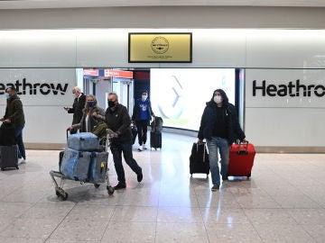 Viajeros en el aeropuerto