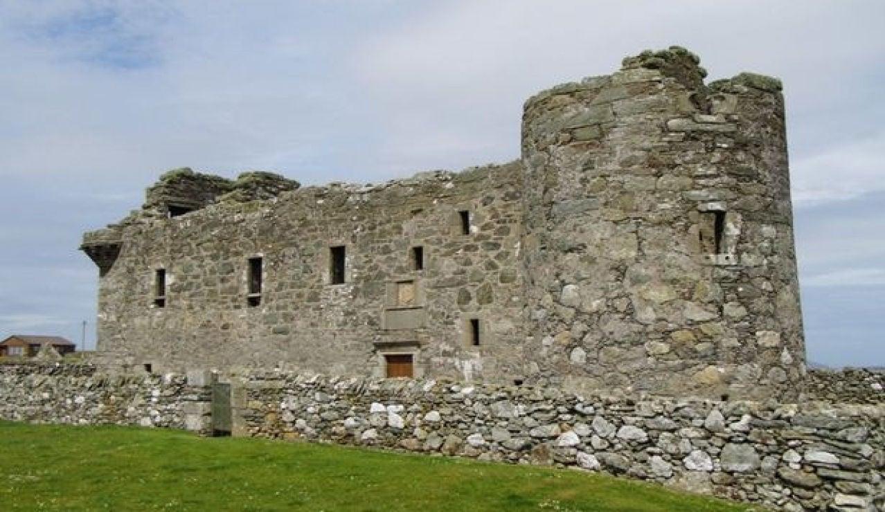 ¿Buscas casa? Idealista vende un castillo en Escocia con título de Sir y derecho de extracción de oro por 150.000 euros