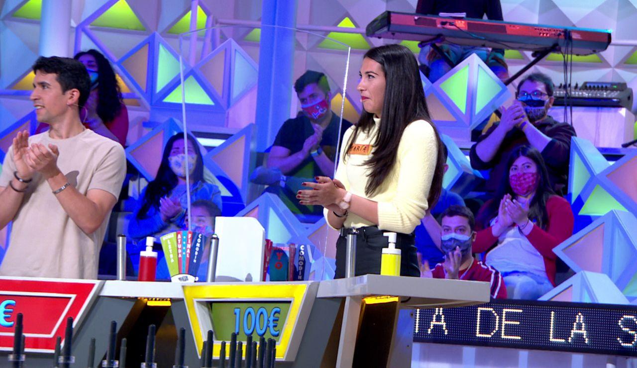 """María acierta el panel de la palabra en 'La ruleta de la suerte' a pesar de que """"no le cuadra"""""""