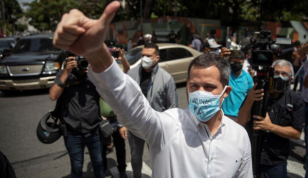 "Guaidó se ""abre"" a negociar con Maduro para ""salvar"" a Venenzuela"