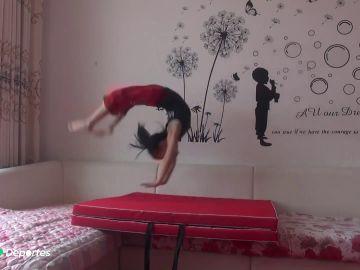 Ji Liamin, la niña china de 5 años capaz de dar hasta 100 volteretas consecutivas