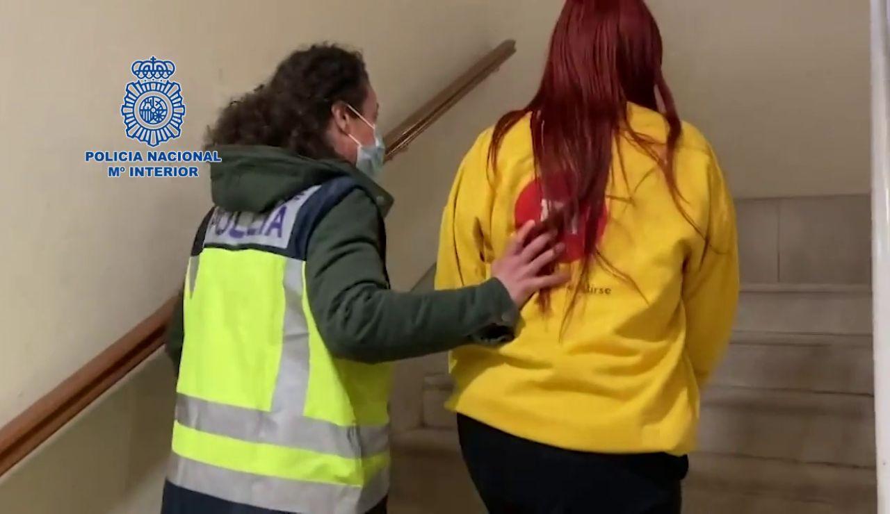 Detenida una  joven acusada de prostituir a menores y ofrecer la virginidad de una niña de 14 años en apartamentos turísticos