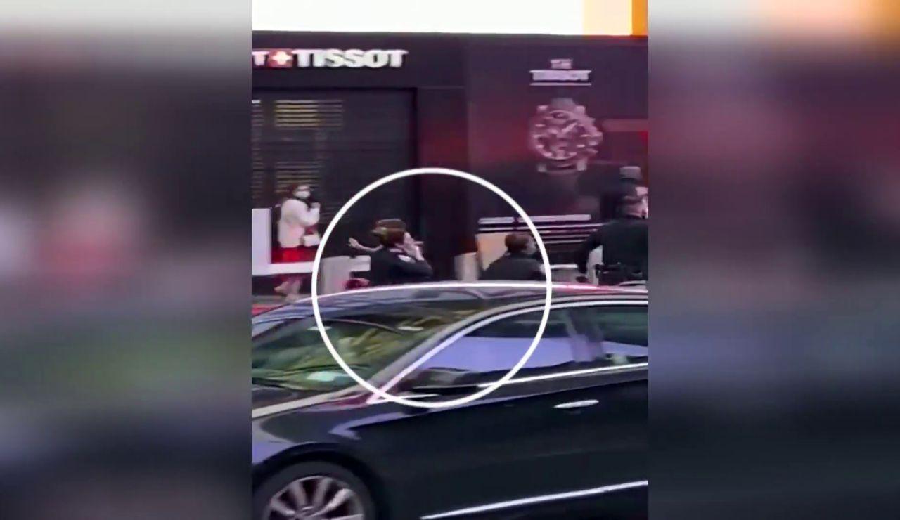 Una agente salva la vida de una niña tras el tiroteo de Times Square