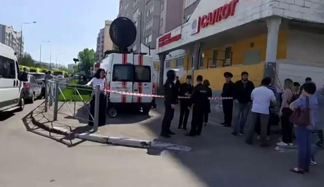Mueren 11 personas, nueve de ellos niños, en un tiroteo en un colegio de la ciudad rusa de Kazán