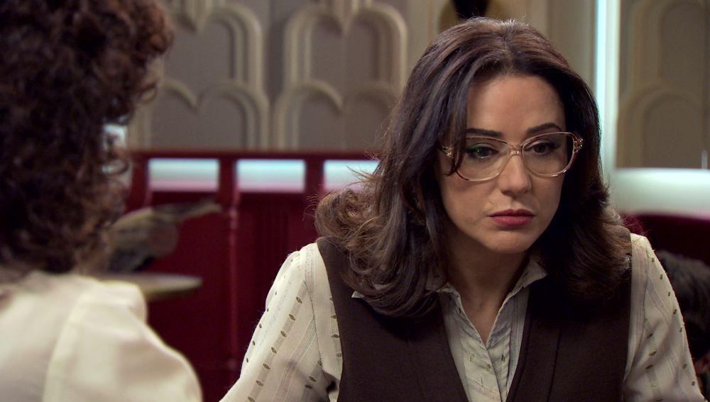 Cristina y Estefanía tratan de descubrir el motivo de la extraña actitud de Guillermo