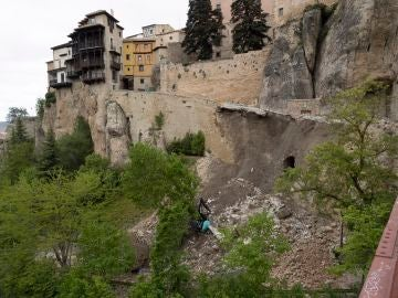 Derrumbe de parte del acceso peatonal al caso histórico de Cuenca