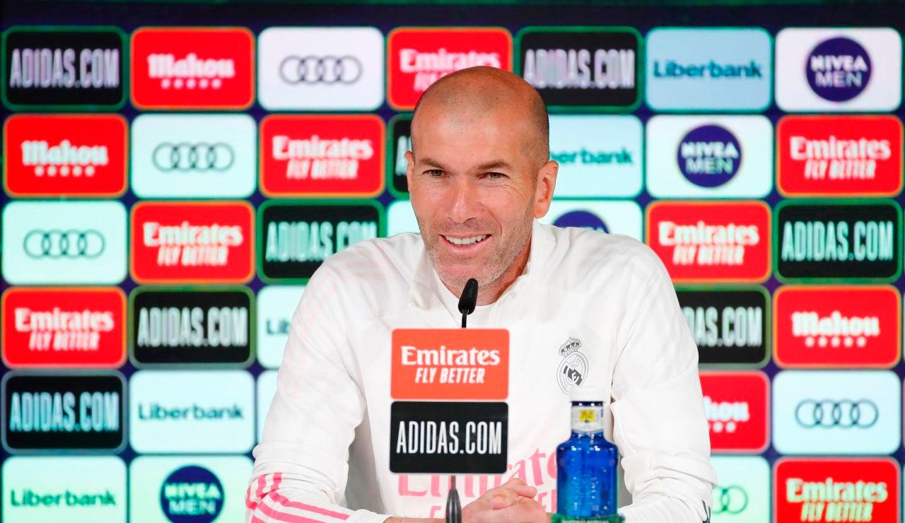 """Zidane: """"El VAR siempre va a ayudar, pero hay que aclarar las cosas"""""""