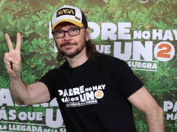 """Santiago Segura durante la presentación de la película """"Padre no hay más que uno 2""""."""