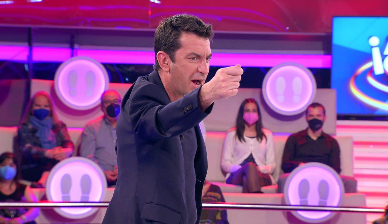 La genial improvisación de Arturo Valls ante un árbitro rapero en '¡Ahora caigo!'