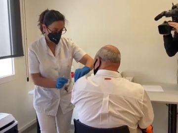 Seat comienza a vacunar del coronavirus a los mayores de 50 años en su fábrica de Martorell
