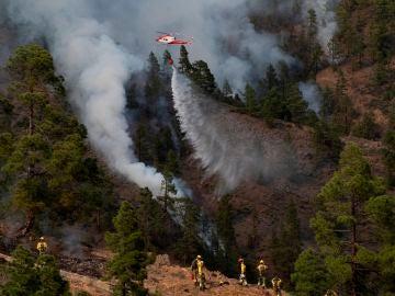 Dan por estabilizado el incendio de Tenerife que ha arrasado 3.300 hectáreas