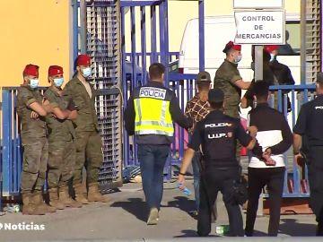 La Guardia Civil inicia un dispositivo especial en el puerto de Ceuta para detener migrantes