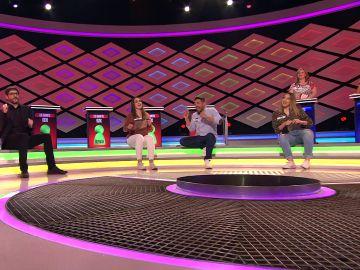 Juanra Bonet pide a 'Los enanitos' un baile al más puro estilo de 'Pasapalabra'