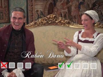 Roberto Enríquez y Michelle Jenner se atreven con el test más divertido: ¿poesía o reguetón?